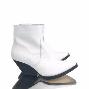 NWT Zara White Leather Ankle Boots
